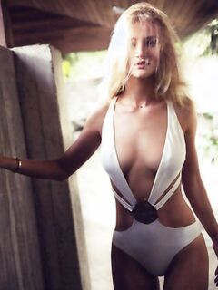 Rosie Huntington-Whiteley – Esquire UK Magazine