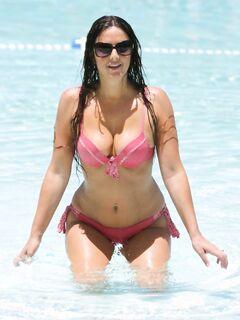 Голая модель Claudia Romani - фотосессии из мужских журналов: GQ, Maxim, Playboy