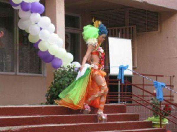 Выпускные платья школьниц уходящего 2015 года