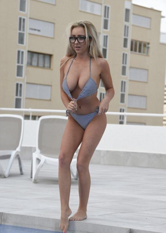 Красотка Бет Морган в купальнике