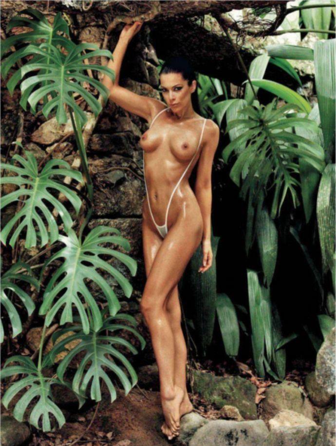 Богиня эротики Iris Mulej - Playboy January 2012 (1-2012) Slovenia