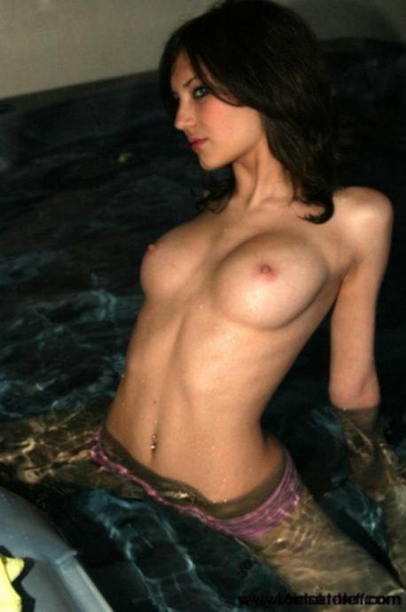 Частные фото опытных женщин » Эротика, голые девушки без порно, знаменитости