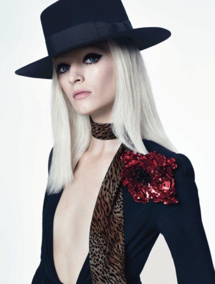 Голая модель Дарья Строкоус