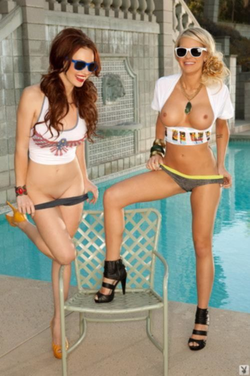 Two naked cutie, red and blonde - Girls (erotic)