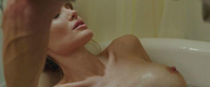 Обнаженная Анджелина Джоли