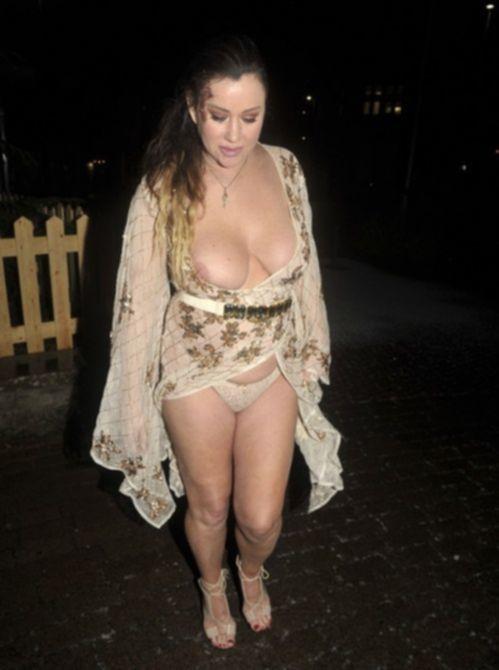 Лиза Эпплтон ночью в графстве Чешир