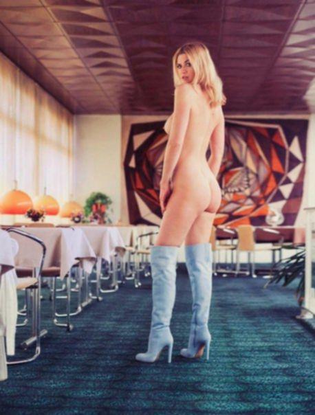 Нина Ботт голая в журнале Playboy Германия (июнь 2017)