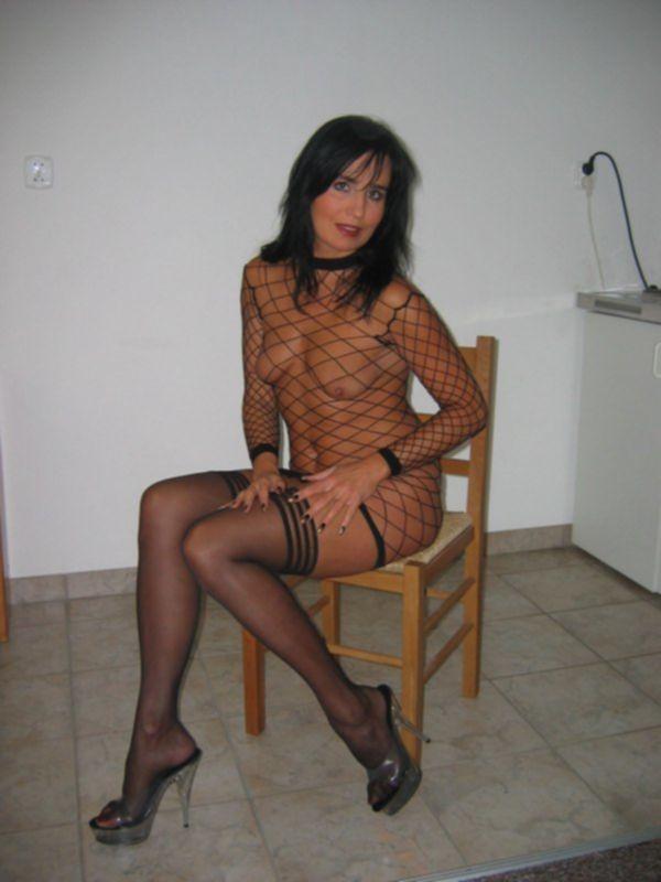 Зрелая супруга позирует для мужа голой » Эротика, голые девушки без порно, знаменитости