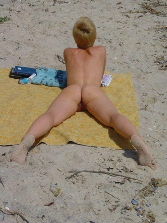 Вид на попки жен сзади