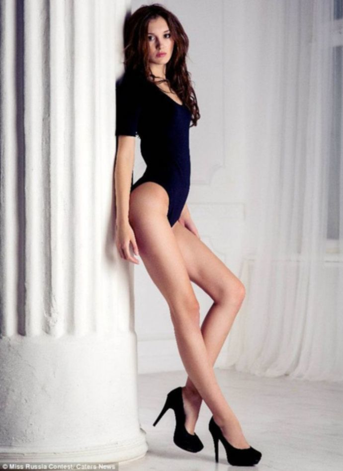 Девушка с самыми длинными ногами в мире